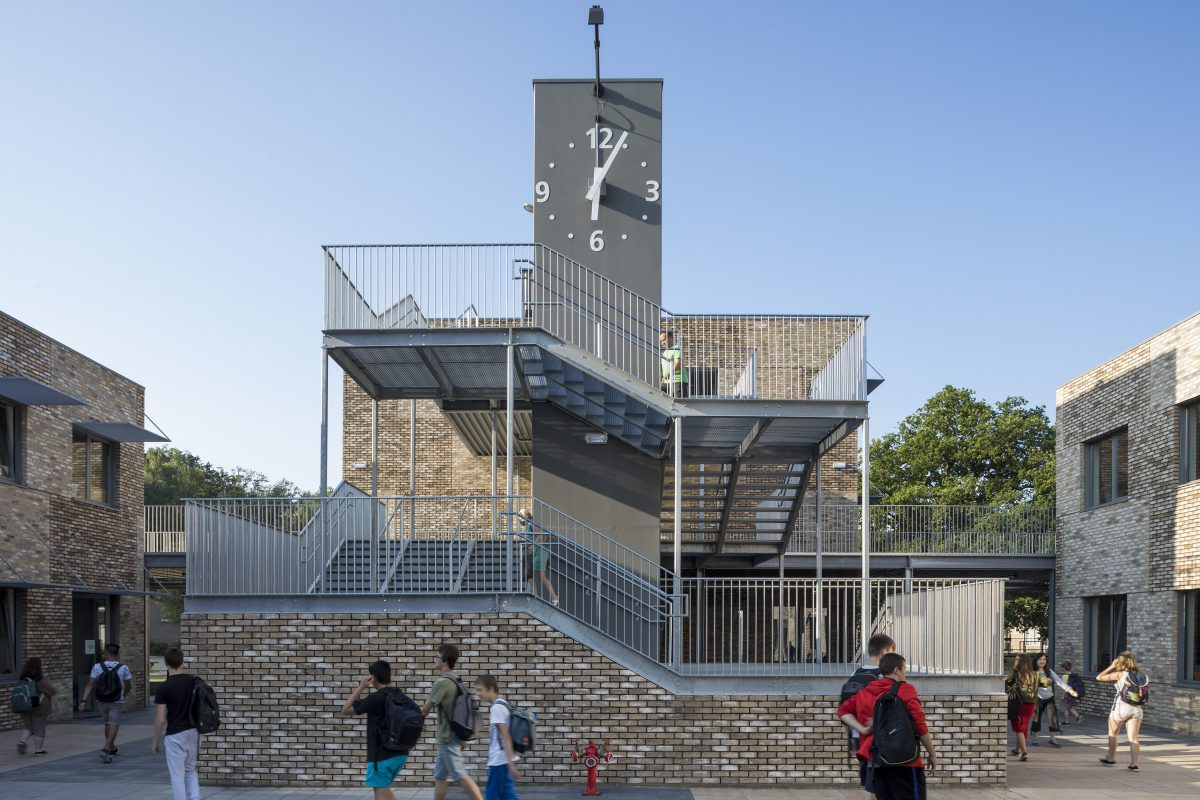 Marlies Rohmer, School, 's Gravenwezel, Belgium, secondary education, primary education, Special Secondary Education, masonry, clock, staircase tower, green