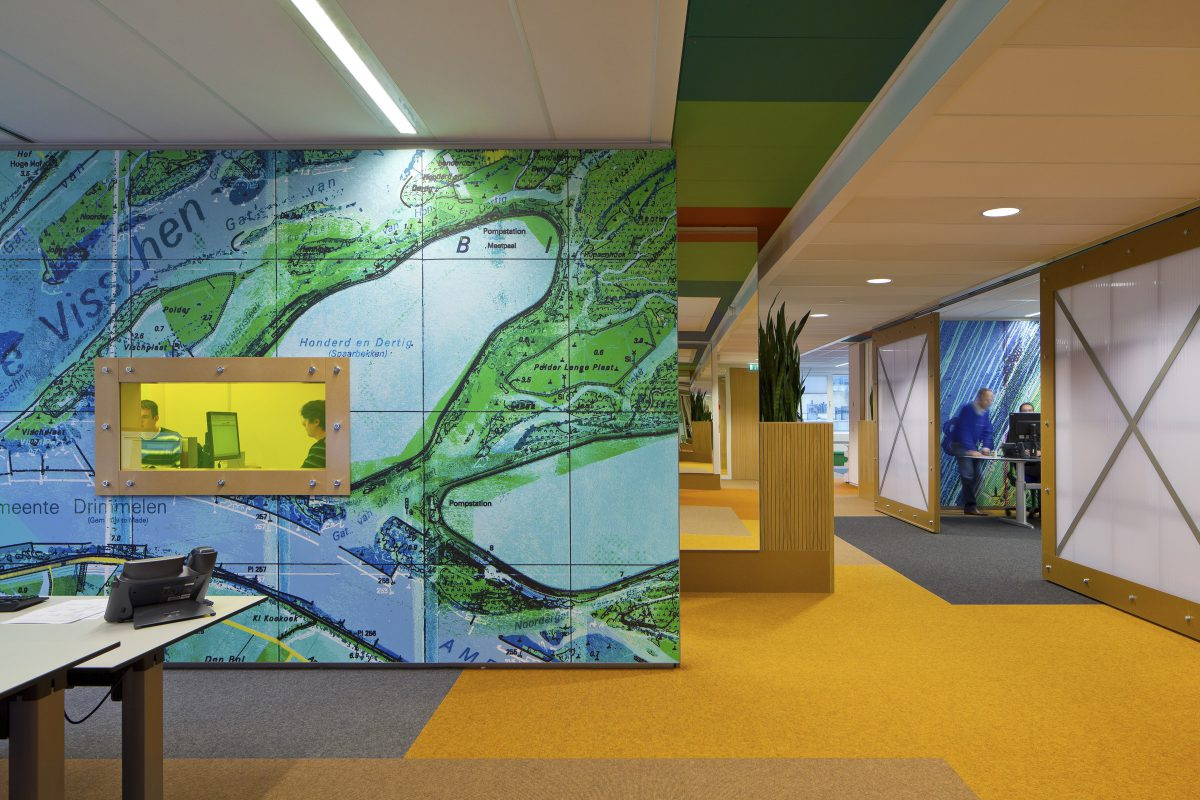 Marlies Rohmer, office, transformation, national government, Utrecht, colored glass, maps, wall image, Yvonne Kroese