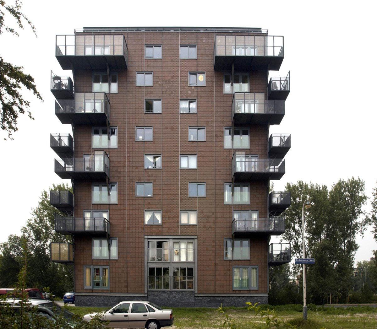 Marlies Rohmer, housing, Dedemsvaartweg, The Hague, Housing Festival, balconies, ceramic facade panels, steel