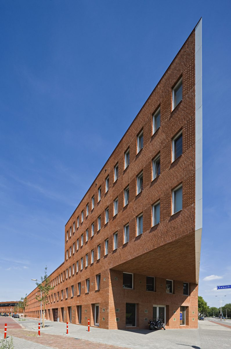 Marlies Rohmer, WSST, Breda, Residential building, commercial space, courtyard, wood, masonry, pattern, ornament, veranda
