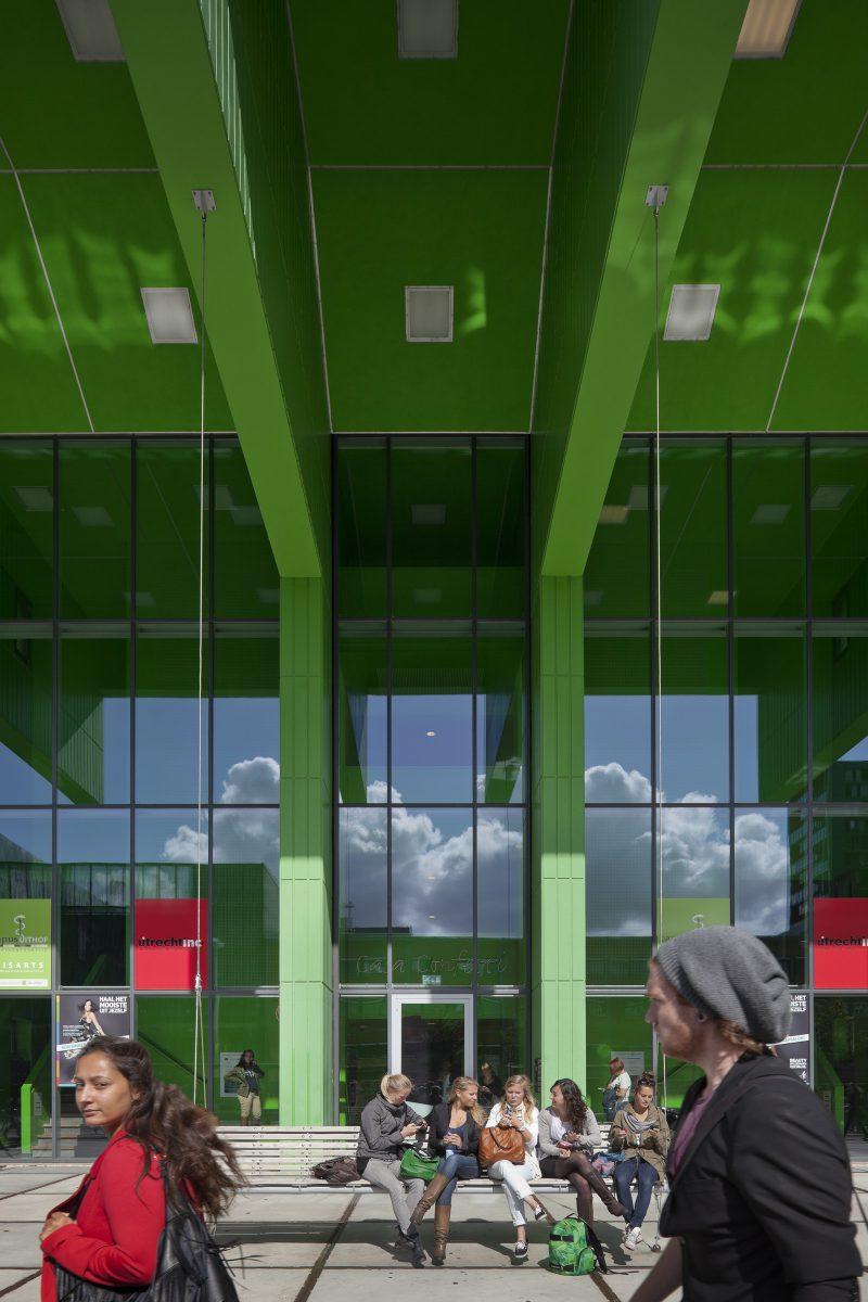 Marlies Rohmer, Casa Confetti, studentenhuisvesting, SSH, Utrecht, Staalplaat, abstract, Patroon, schommelbank, groen
