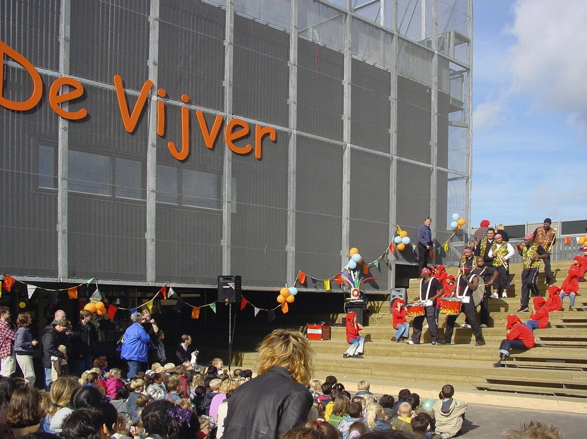 Marlies Rohmer, Community school, de Vijver, Wateringse field, The Hague, school for multiple complex handicapped children, sports tower, square, gymnasium